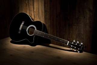 black-acoustic-guitar-